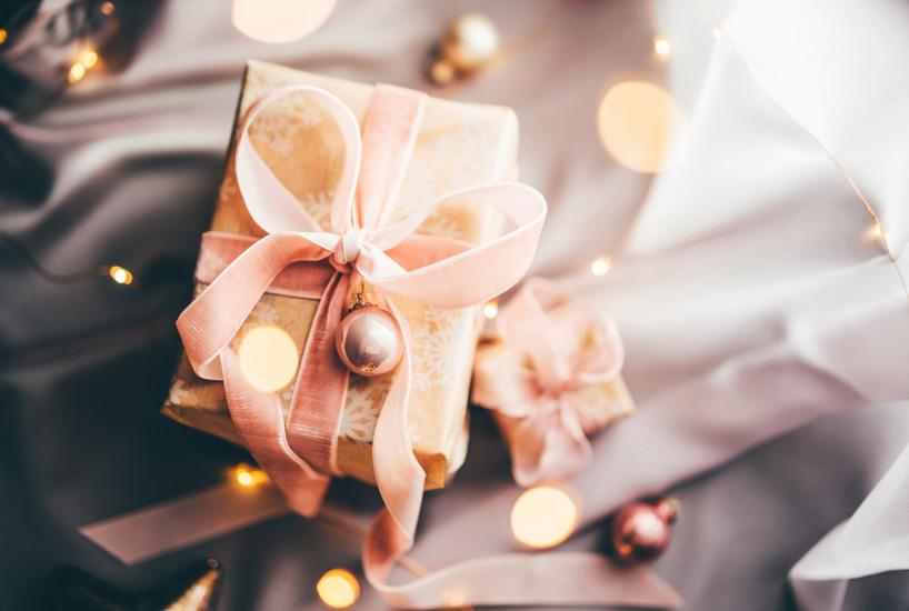 etiquetas regalo con distinción